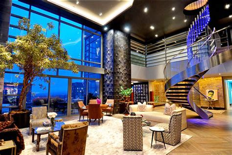 Penthouse with a View | Julies Properties