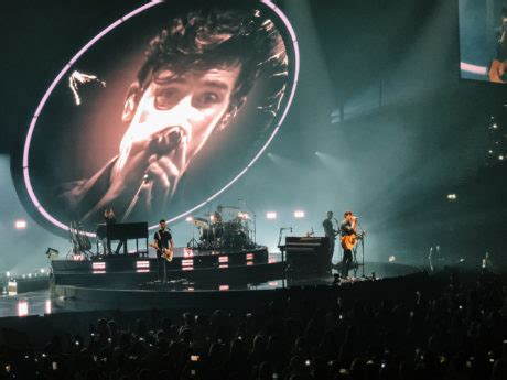 """REVIEWED: Shawn Mendes expresses love for """"resilient"""